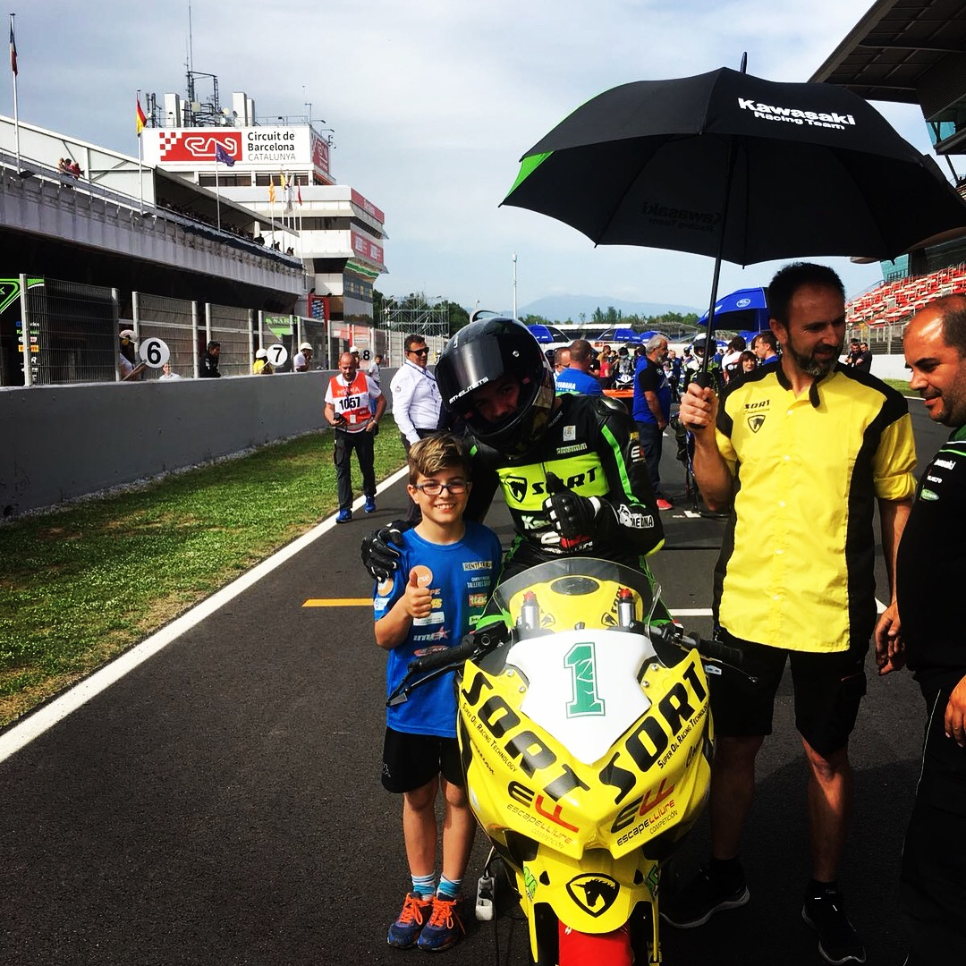 Samuel Di Sora con un joven piloto