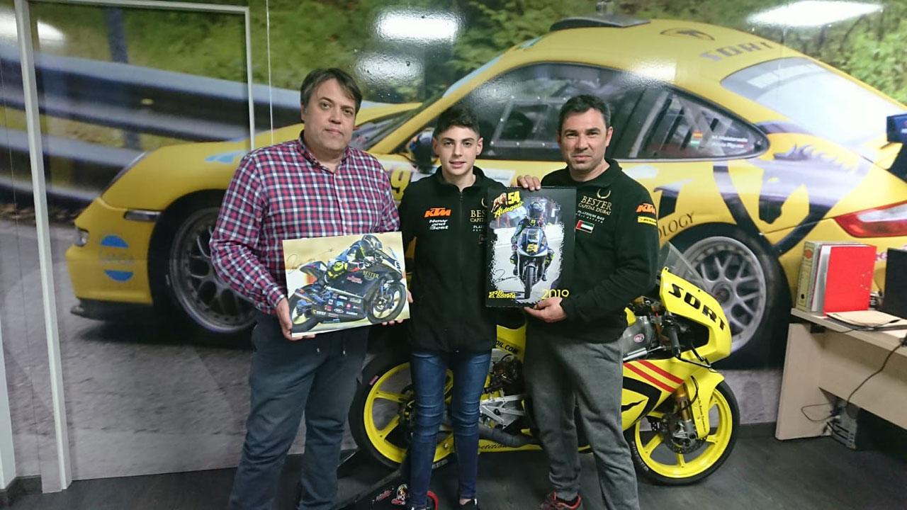 Tey Racing Team en las oficinas de SORT